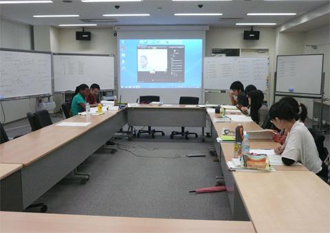 チャガ=ロンボ語授業風景